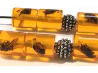Μπεγλέρι από ρητίνη με εσώκλειστες μέλισσες