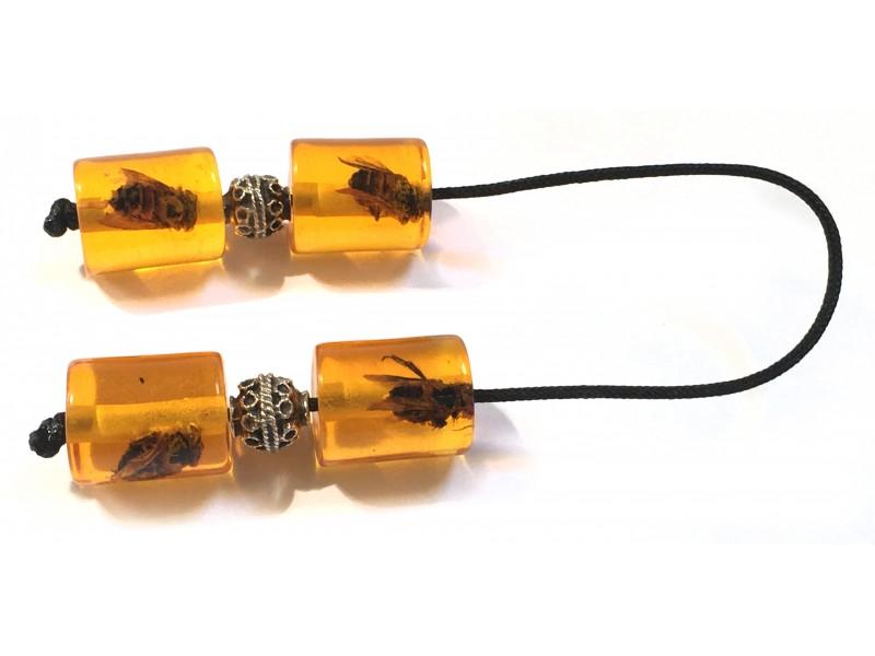 Μπεγλέρι με εσώκλειστες μέλισσες